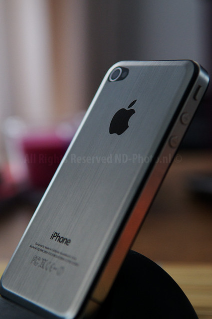 iPhone 4 Brushed Alu closeup