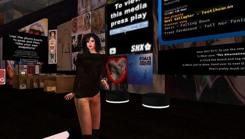 raftwet jewell at alt7 for space grelling party