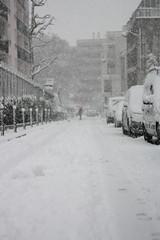 IMG_6456 (pellegrini_paris20) Tags: snowflake schnee white snow paris canon eos flake neige weiss blanc ville flocons flocon itsnows flocke flocken schneeflocke schneit flocondeneige souslaneige esschneit floconsdeneige ilneige 1000d