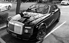 Rolls Royce Phantom Drophead Coup (Monkey Wrench Media) Tags: uk arizona england blackandwhite bw white black reflection tree wheel waterfall high angle unitedkingdom britain united side wheels large kingdom convertible rollsroyce az headlights front grill led chrome british rolls headlight scottsdale phantom luxury coupe saleens7 royce coup saleen 24s s7 aftermarket softtop 100ex tiltedkilt customwheels drophead asanti worldcars aftermarketwheels waterfallgrill 24inchs asantiluxurywheels