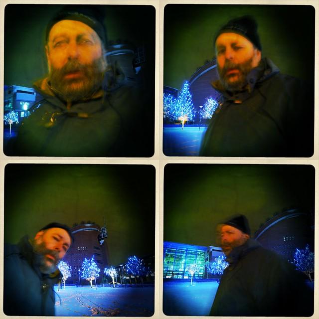 Evry Daily Photo - Autoportrait - Un Singe en Hiver 1