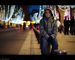 christmas Bokeh (Le***Refs *PHOTOGRAPHIE*) Tags: christmas street city light portrait kids night de point 50mm nikon bokeh perspective noel explore f18 rue vanishing nimes nuit dcoration manege d90 lerefs
