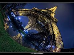 #346/365 Eiffelodocus (iPh4n70M) Tags: paris france reflection tower lady night french photography photo nikon photographer photographie tour dinosaur tripod eiffel fisheye reflet photograph tc 365 nikkor bp 16mm nuit hdr ballade balade photographe parisienne parisien 7xp d700 7raw tcphotography baladesparisiennes ph4n70m iph4n70m tcphotographie