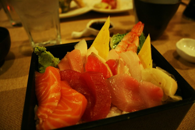 colorful chirashi don