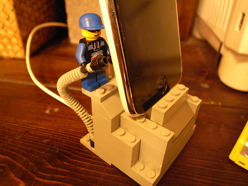 LEGO-iphone-dock1