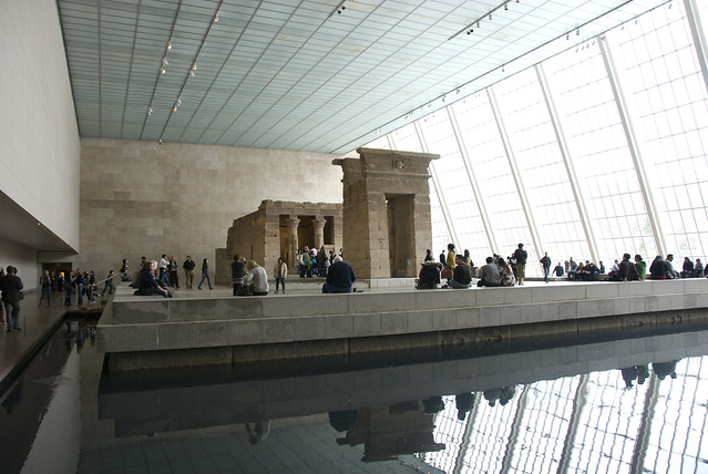 d5 MET temple of dendur view1