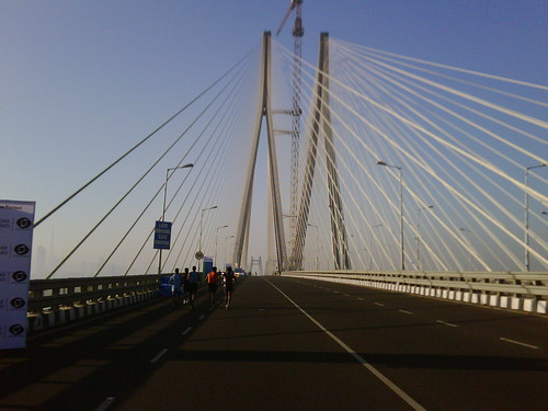 Mumbai Marathon: on the Bandra-Worli Sea Link
