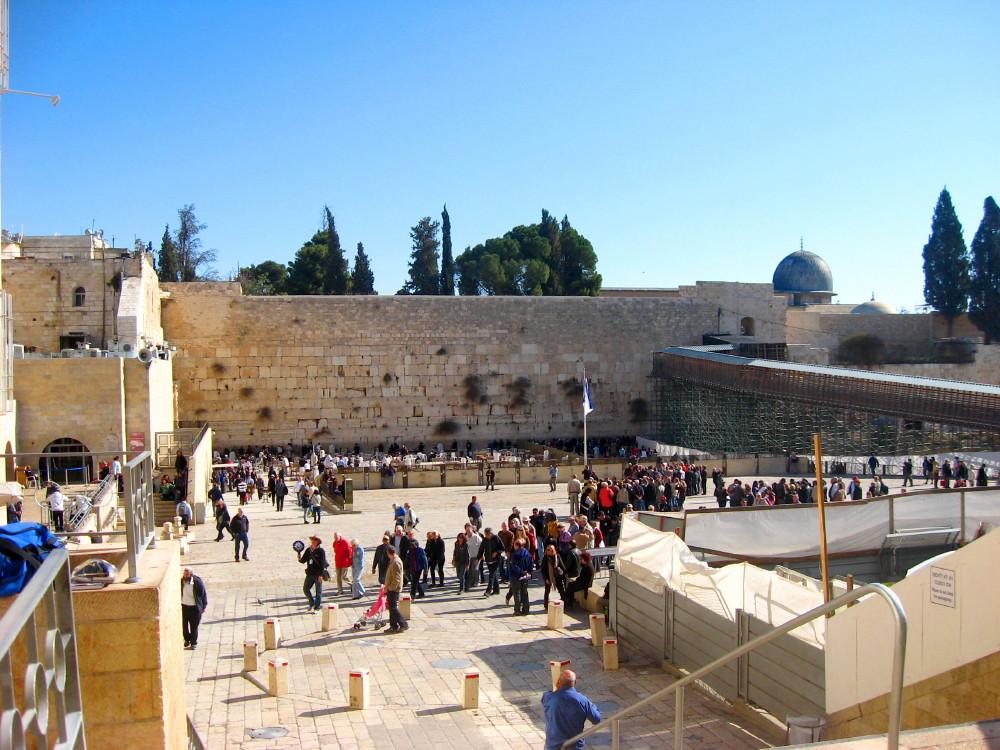 21-01-2011-western-wall2