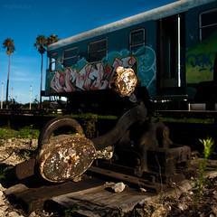 scambio (ma[mi]losa) Tags: nikon d200 stazione treno fse deposito 2011 abbandonati vagoni zollino ferroviesudest mamilosa micheledefilippo