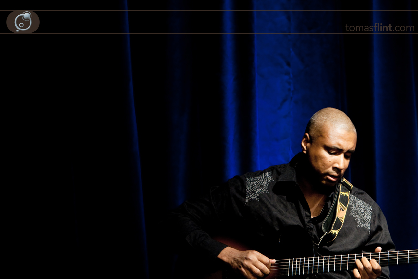 tomas_flint-bernie_williams