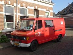 Mercedes 310 Deventer (willemalink) Tags: mercedes 310 deventer
