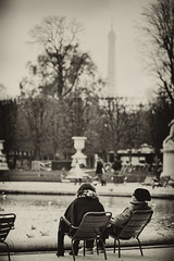 In love with... Paris (bebopix.fr) Tags: winter paris france love canon hiver eiffeltower lovers toureiffel romantic allrightsreserved amoureux romantique 50d tousdroitsrservs bebopix wwwbebopixfr