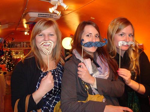 mustache_girls