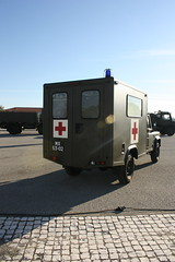 DGME (zawevo) Tags: portugal army military ambulance equipment militar landrover armedforces militaryvehicle ambulancia equipamento landroverdefender exercito forçasarmadas veículomilitar