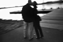 Kiss (robert schneider (rolopix)) Tags: leica longexposure sunset blackandwhite bw blur film monochrome boston 35mm canon ma kodak massachusetts 28mm trix newengland esplanade handheld mass m4 bostonist pushprocessed labscan robertschneider autaut believeinfilm