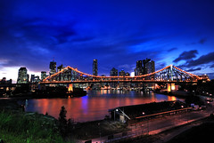 Brisbane City (fredfunk05) Tags: city bridge blue skyline night river lights twilight dusk australia brisbane story bluehour storybridge brisbanecity d60 storeybridge brisbaneskyline wilsonslookout brisbanedusk