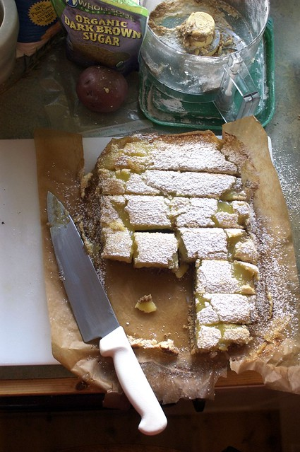 making lemon bars