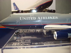 "Inflight 200 United Airlines B747-400 ""Battleship"" Gray (Chris Flordeliza) Tags: 1200 boeing battleship 747 unitedairlines b747 b747400 n174ua inflight200"