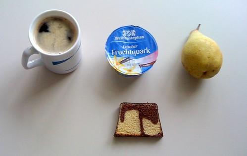 Vanillequark, Birne & Geburtstagskuchen
