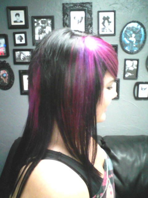 KIKI'S NEW HAIRUT & HAIR COLOR. I HAD TO HIGHLIGHTS HER TWICE TO GET IT