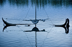 Equivalent (Canadapt) Tags: blue abstract reflection portugal water boat sail mast sunken sunk coimbra sank canadapt