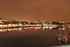 Porto at night (Juan & M Cruz) Tags: bridge red sea portugal rio night river puente noche mar rojo wave porto ola libreria lello duero vilanovadegaia librery