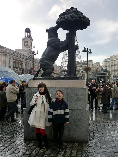 Bear Statue 02