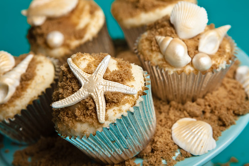 Sea Shells & Starfish. Cupcakes by the sea!