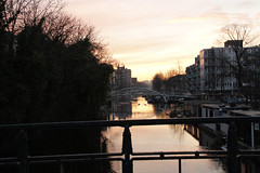 Amsterdam sunset (lhb-777) Tags: bridge sunset west water amsterdam skyline cityscape magic brug mokum zon gracht cityview amsterdambynight ondergang cannel andersbekeken