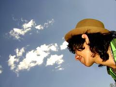 Nirvano (Angel_SinClaudicar) Tags: boy sky hat mxico nirvana cielo nubes sombrero mundo