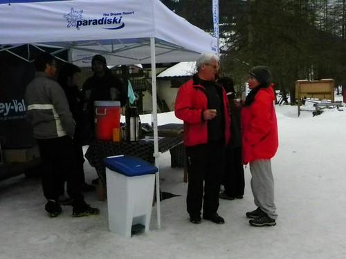 Retour au foyer de ski de fond en attendant la tombola Peisey Nancroix 041