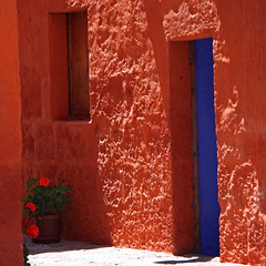colours, light,... (Z Eduardo...) Tags: door blue shadow orange flower peru latinamerica southamerica wall architecture unesco worldheritagesite monastery ligth geranium arequipa monasterio mosteiro santacatalina
