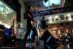 Jimmu - HardRock Cafe Senandung Untuk Negeri 14 Nov 2010_17 (jimmuband) Tags: jimmu alexkuple jimmuband