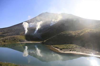 姿見ノ池と旭岳