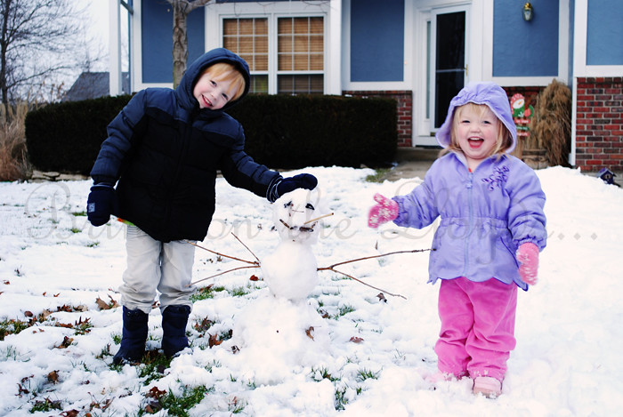 Kids-and-Snowman--wm