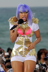 nicki_minaj_purple-hair