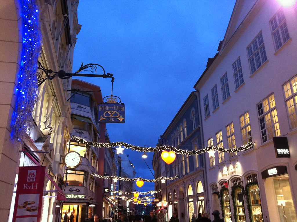fee24e1f0491  quot Strøget quot  in Christmas deco. We can only partly take credit for  this