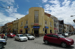 Art Deco Building - Cuenca, Ecuador (John Meckley) Tags: building art architecture modern corner ecuador traffic historic moderne esquina artdeco streetcorner deco cuenca modernist