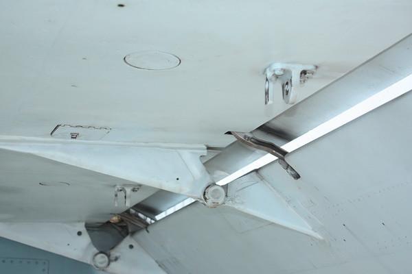 EAA10_FA-18C_056