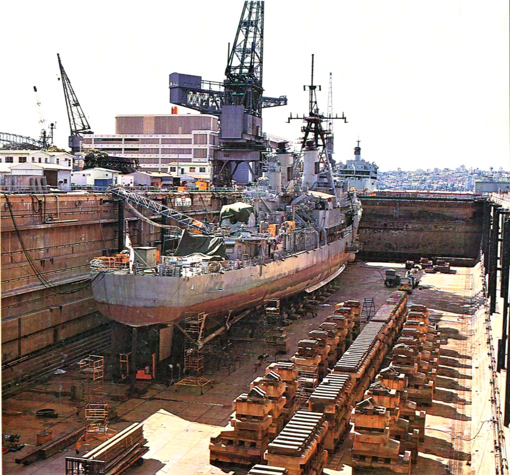 Oct 1986: HMAS Brisbane [II] in Captain Cook Dock, G.I. for a partial modernisation - Photo RAN Official.