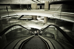 long way down (mininior) Tags: digital 35mm canon eos saw construction singapore models ken orchard shoppingmall grainy escalators fashionshoot ion 2470mm 1dsmii flickraward flickraward5 kensaw mininior eos1dsmii flcikrawardgallery