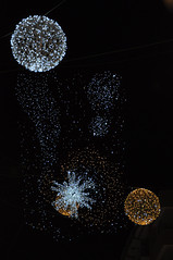 Luci d'Artista: Planets (Sabrina Campagna) Tags: christmas xmas italy night garden stars photography lights reflex high nikon italia campania foto shot d magic corso iso planets luci fotografia nikkor natale 800 90 notturna salerno artista giardino emanuele vittorio stelle 18105 pianeti d90 incantato