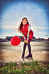 Ballooney (Miss Minie  :Process Of Illumination:) Tags: street red portrait newmexico cute girl canon fun kid child sister baloon adorable albuquerque wideangle childish tokina1224mm huitzilil