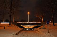 viaduct in de nacht sneeuw (raymondklaassen) Tags: nacht sneeuw viaduct almere lantaarn almerebuiten raymondklaassen