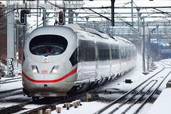 2010-12-19 13-25-49 (Enzojz) Tags: snow paris france train railway neige  sncf