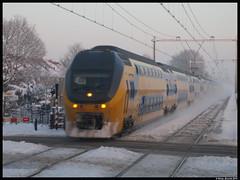 Plaatselijke sneeuwstorm.... (Rinse Bunnik) Tags: winter train tren ic ns trein intercity spoorwegen dubbeldekker nederlandse virm regiorunner omstandigheden winterse beperkte dienstregeling
