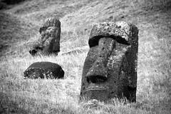 20091225 Isla de Pascua 184 (blogmulo) Tags: chile travel canon easter island ar pascua viajes moai isla 2009 quarry cantera rano raraku nui rapa canon450d blogmulo