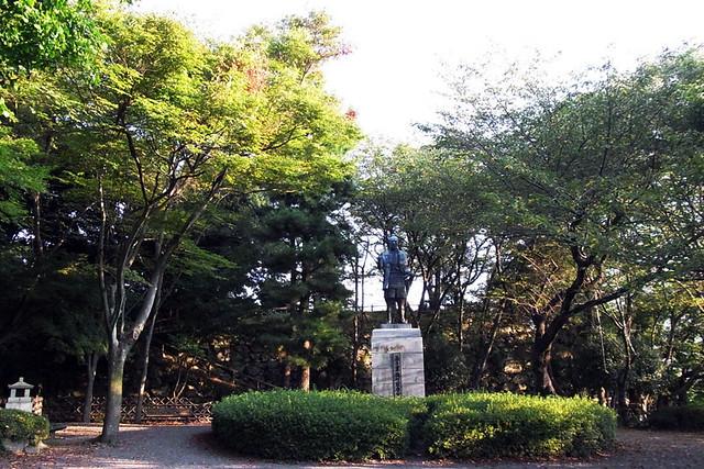 100920_064811_浜松城