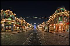 Merry Christmas! [Explore] (Silver1SWA (Ryan Pastorino)) Tags: christmas street canon holidays disneyland main sigma disney walt hdr sigma1020 40d