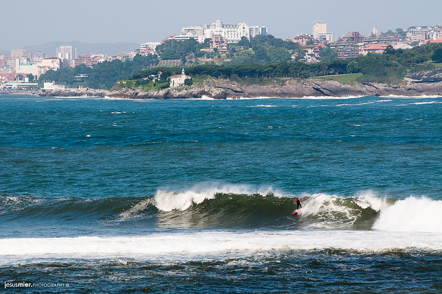 Surf en la Isla de Santa Marina